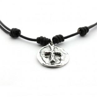 Collar cruz de plata rústica