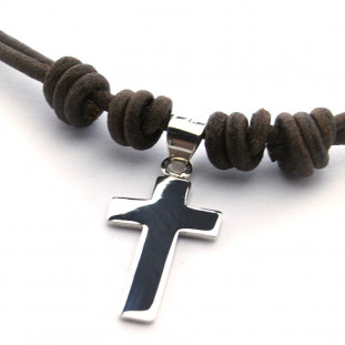 Collar cruz de plata de 2,4...
